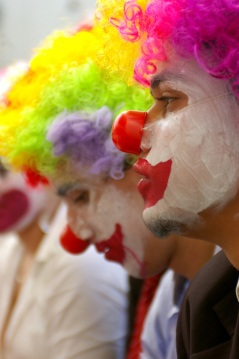 clown-1161457-639x961