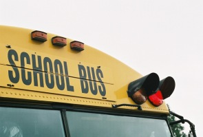school-bus-red-light-1442072-640x432