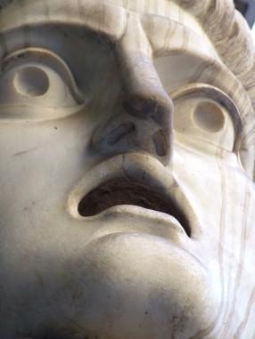 shocked-statue-1519967-639x852